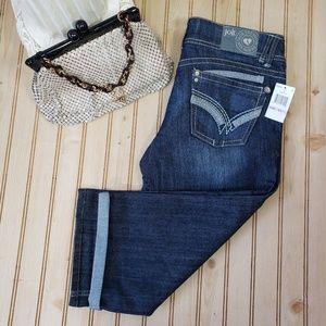 NWT Jolt 11 Denim Capris Cropped Jeans Distressed